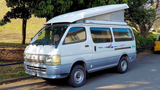1996 Toyota Hiace Pop-Top Camping Car 4x4 Diesel (Canada Import) Japan Auction Purchase Review