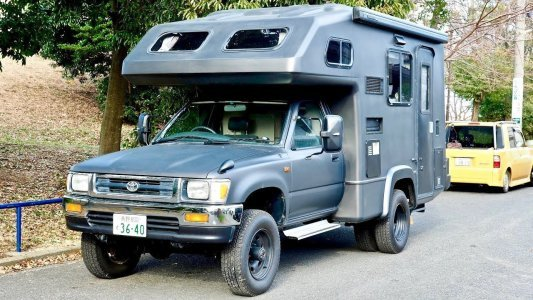 SOLD - 1994 Toyota Hilux 4x4 Camper Diesel 5-speed manual dualie **USA Legal import** Japan Auction